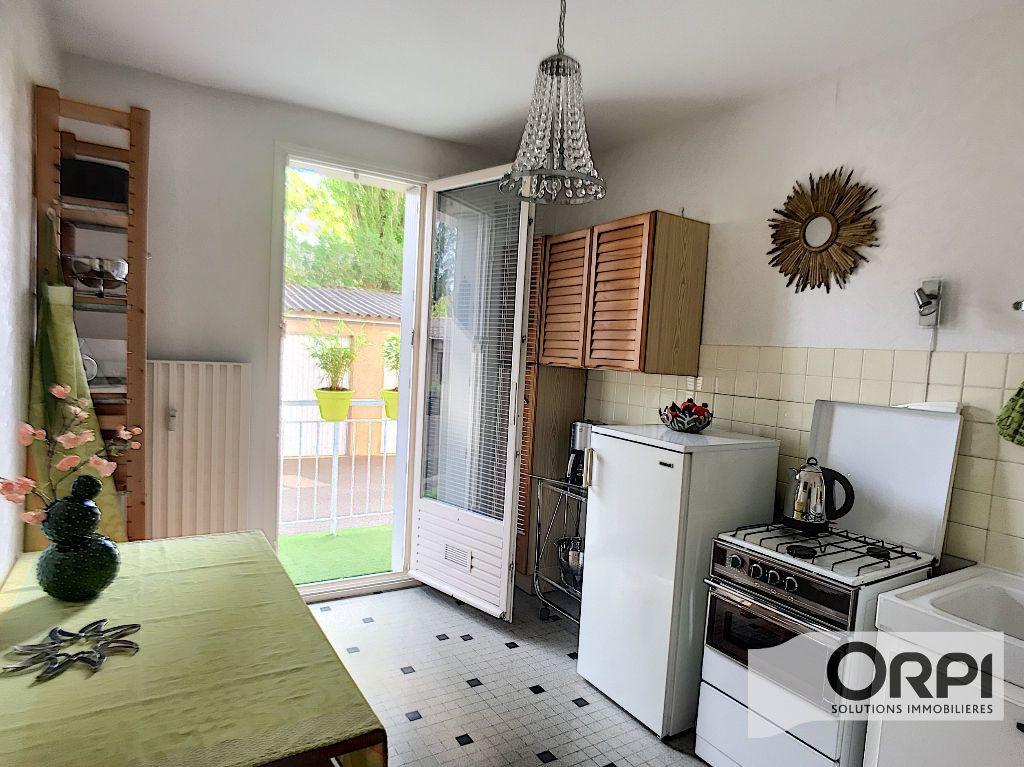 Appartement à vendre 3 67m2 à Montluçon vignette-2