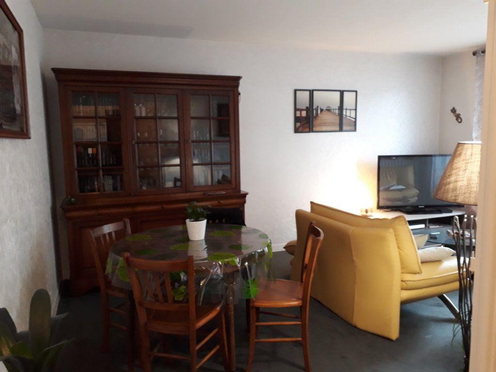 Appartement à vendre 3 67m2 à Montluçon vignette-4