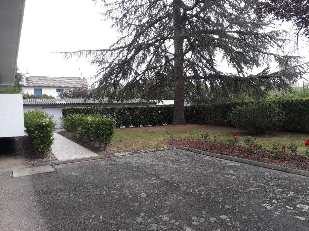 Appartement à vendre 3 67m2 à Montluçon vignette-6