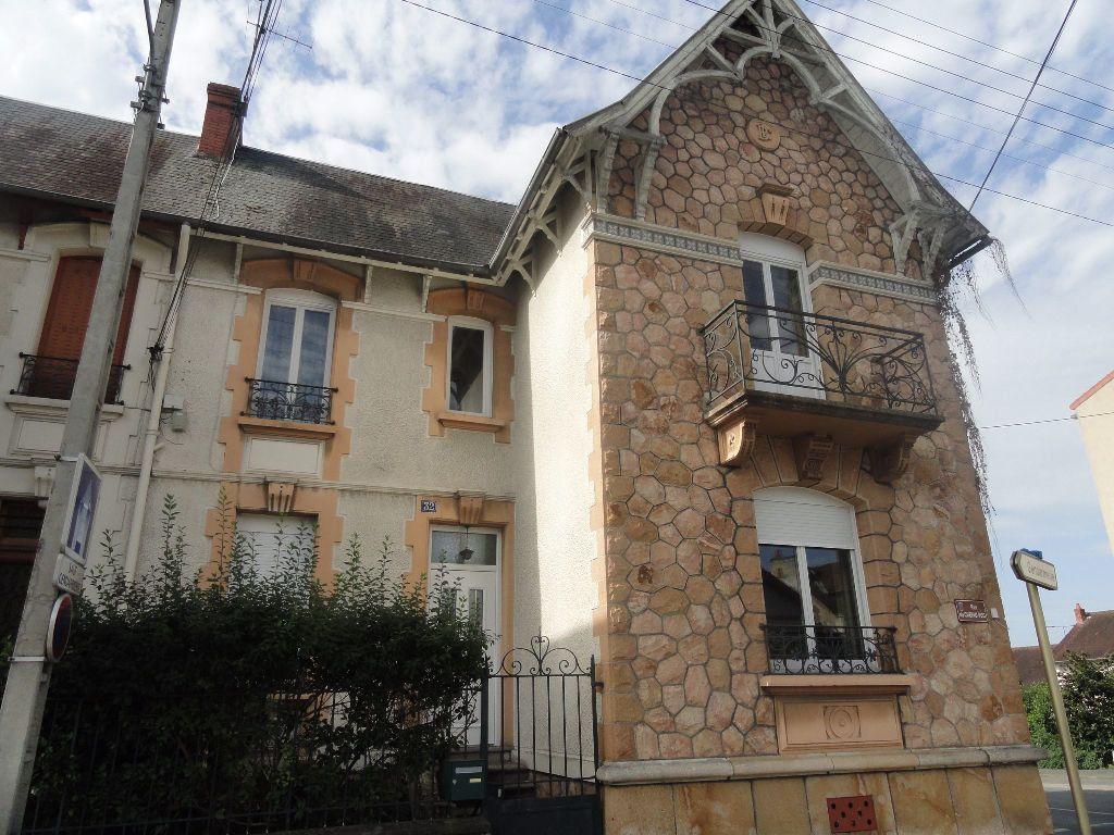 Maison à vendre 4 95m2 à Montluçon vignette-1