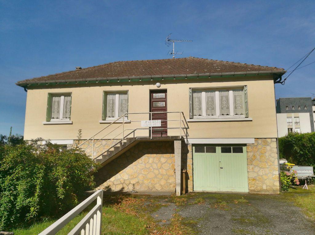 Maison à vendre 3 62m2 à Saint-Amand-Montrond vignette-1