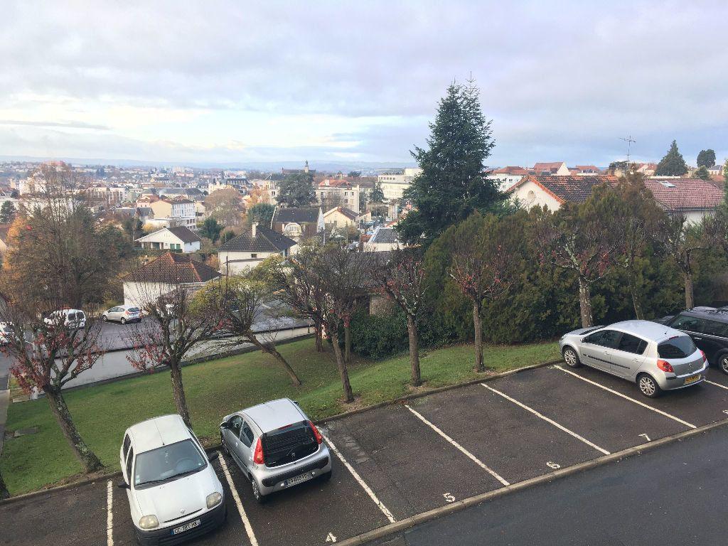 Appartement à vendre 3 73.14m2 à Montluçon vignette-2