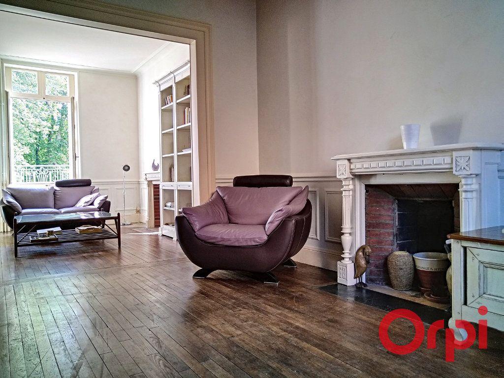 Maison à vendre 12 232.6m2 à Néris-les-Bains vignette-2
