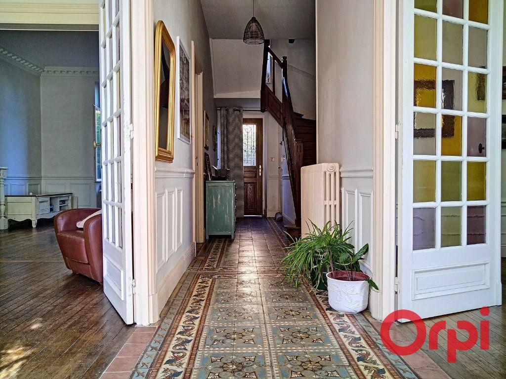 Maison à vendre 12 232.6m2 à Néris-les-Bains vignette-3