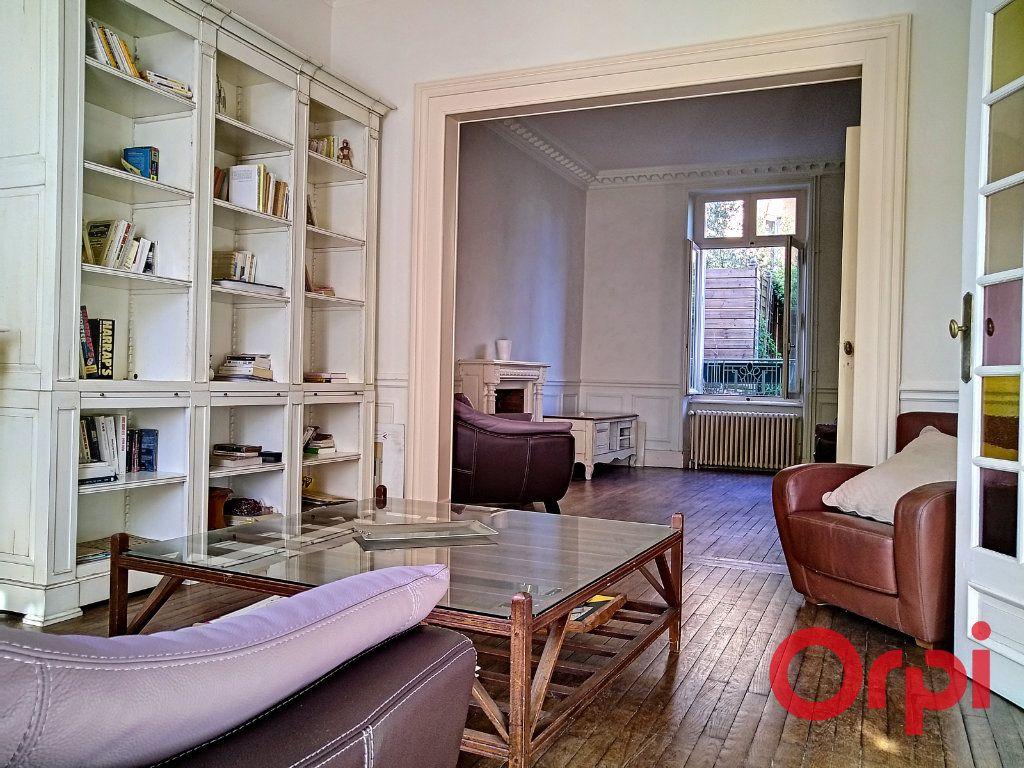 Maison à vendre 12 232.6m2 à Néris-les-Bains vignette-4