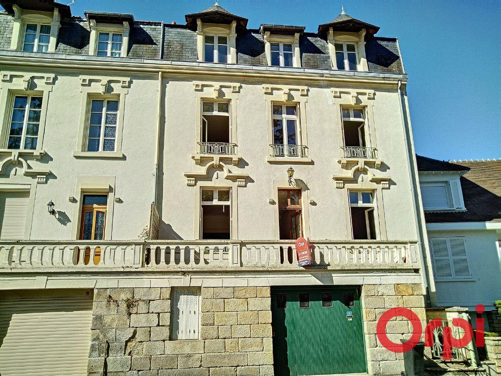 Maison à vendre 12 232.6m2 à Néris-les-Bains vignette-7