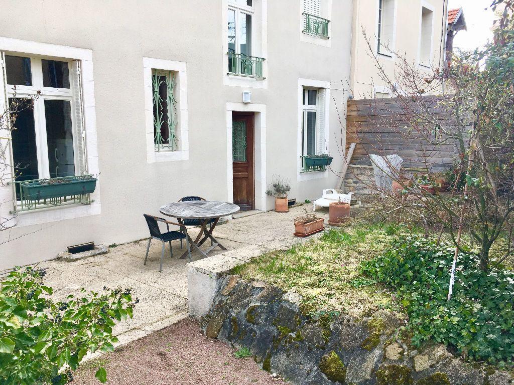 Maison à vendre 12 232.6m2 à Néris-les-Bains vignette-8