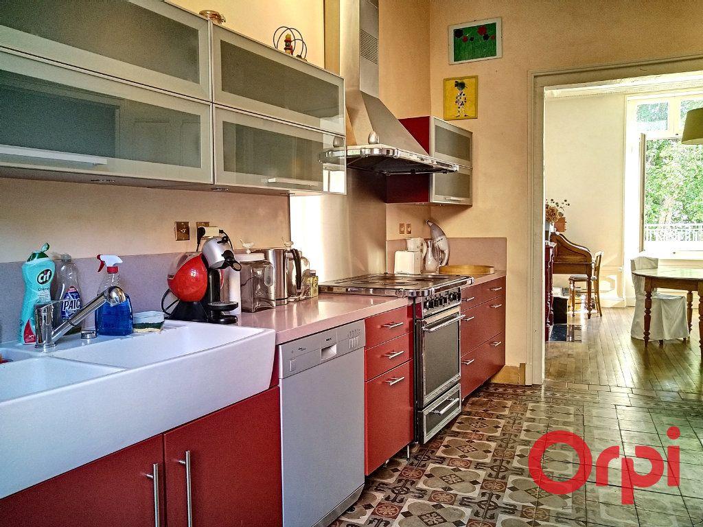 Maison à vendre 12 232.6m2 à Néris-les-Bains vignette-9