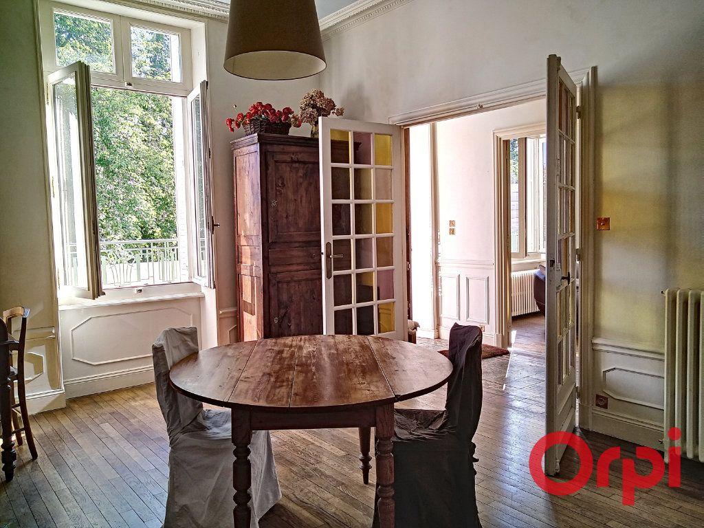 Maison à vendre 12 232.6m2 à Néris-les-Bains vignette-10