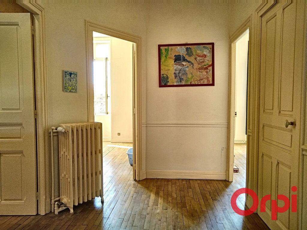 Maison à vendre 12 232.6m2 à Néris-les-Bains vignette-17