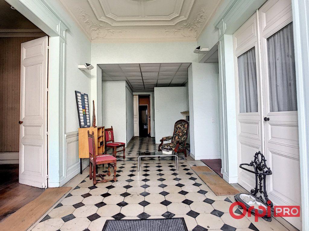 Immeuble à vendre 0 1080m2 à Montluçon vignette-2