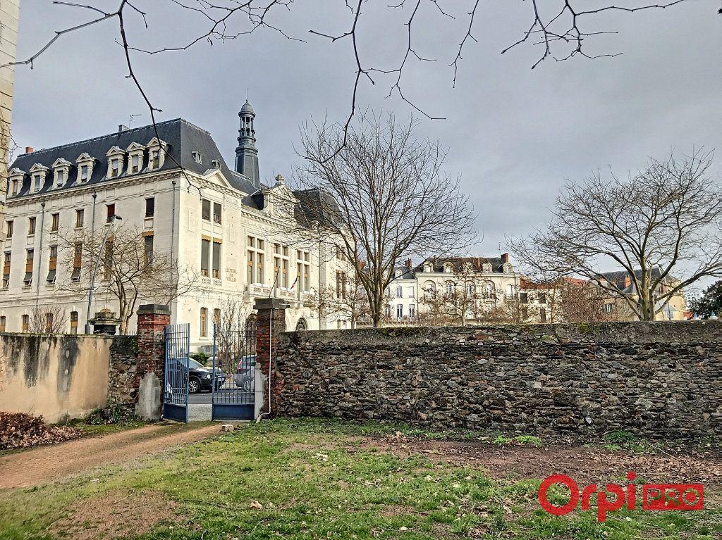 Immeuble à vendre 0 1080m2 à Montluçon vignette-11