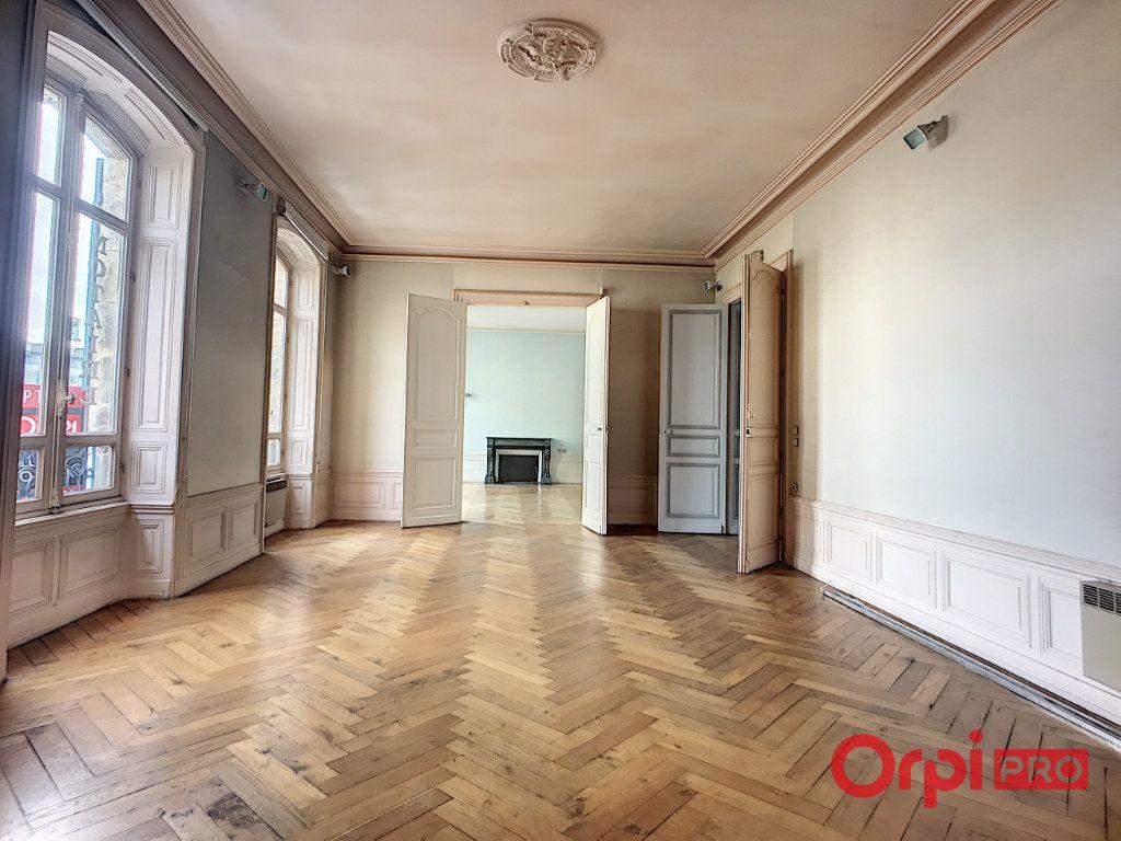 Immeuble à vendre 0 1080m2 à Montluçon vignette-12