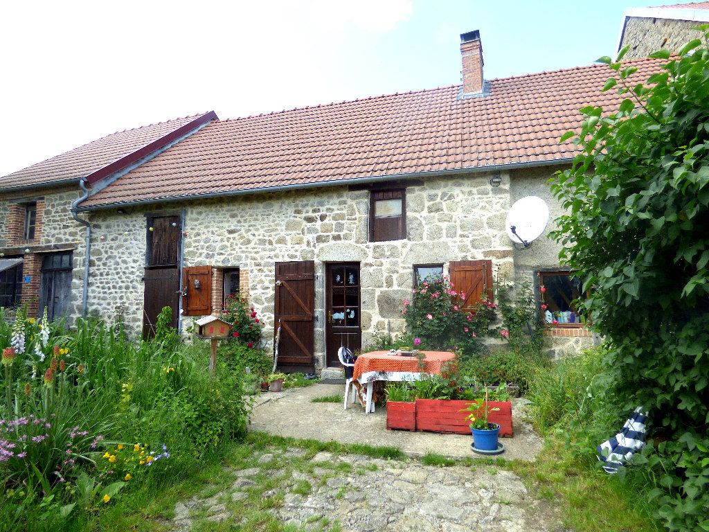 Maison à vendre 4 72m2 à Saint-Julien-le-Châtel vignette-1