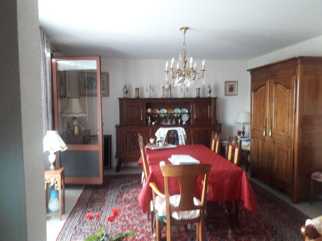 Appartement à vendre 3 87.94m2 à Montluçon vignette-3