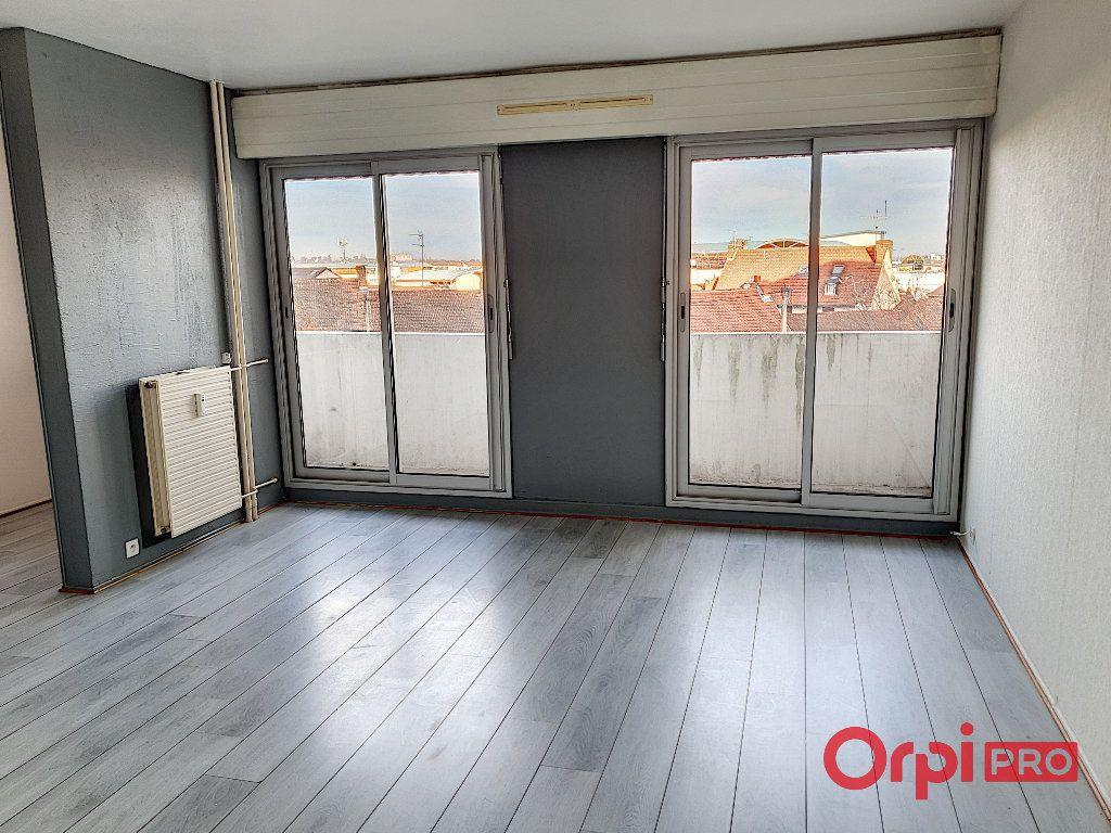 Appartement à vendre 3 38m2 à Montluçon vignette-1