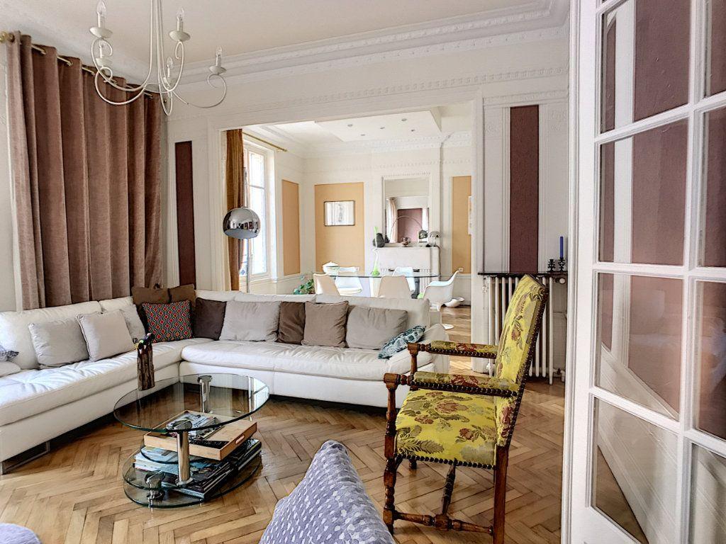 Appartement à vendre 4 140m2 à Montluçon vignette-4