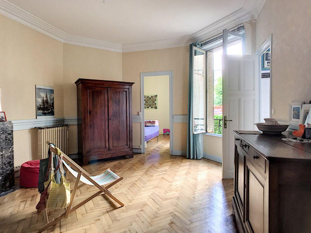 Appartement à vendre 4 140m2 à Montluçon vignette-6