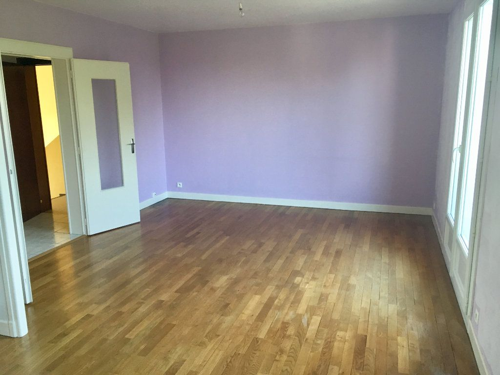 Appartement à vendre 3 76.29m2 à Désertines vignette-2