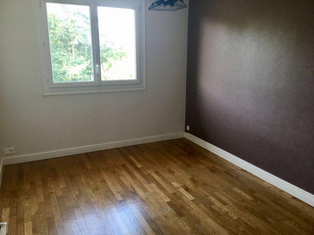 Appartement à vendre 3 76.29m2 à Désertines vignette-3