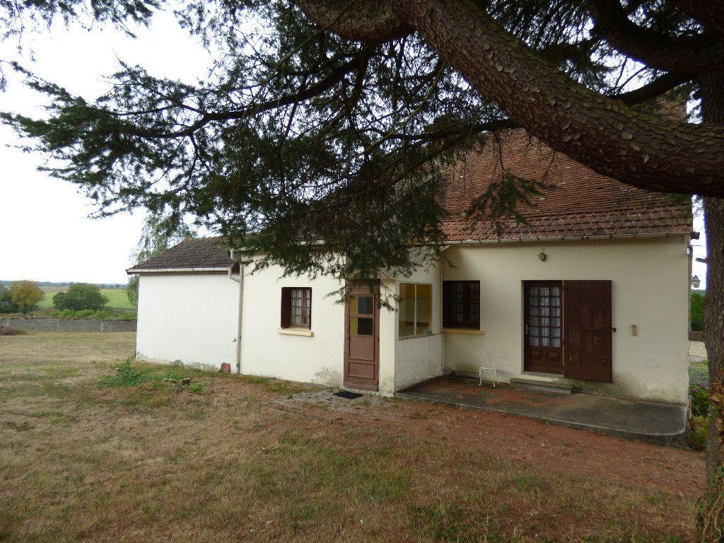 Maison à vendre 3 105m2 à Saint-Julien-la-Genête vignette-1