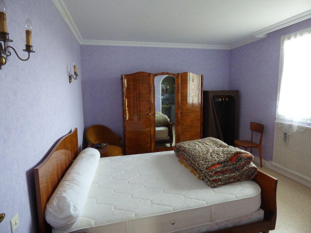 Maison à vendre 3 105m2 à Saint-Julien-la-Genête vignette-6