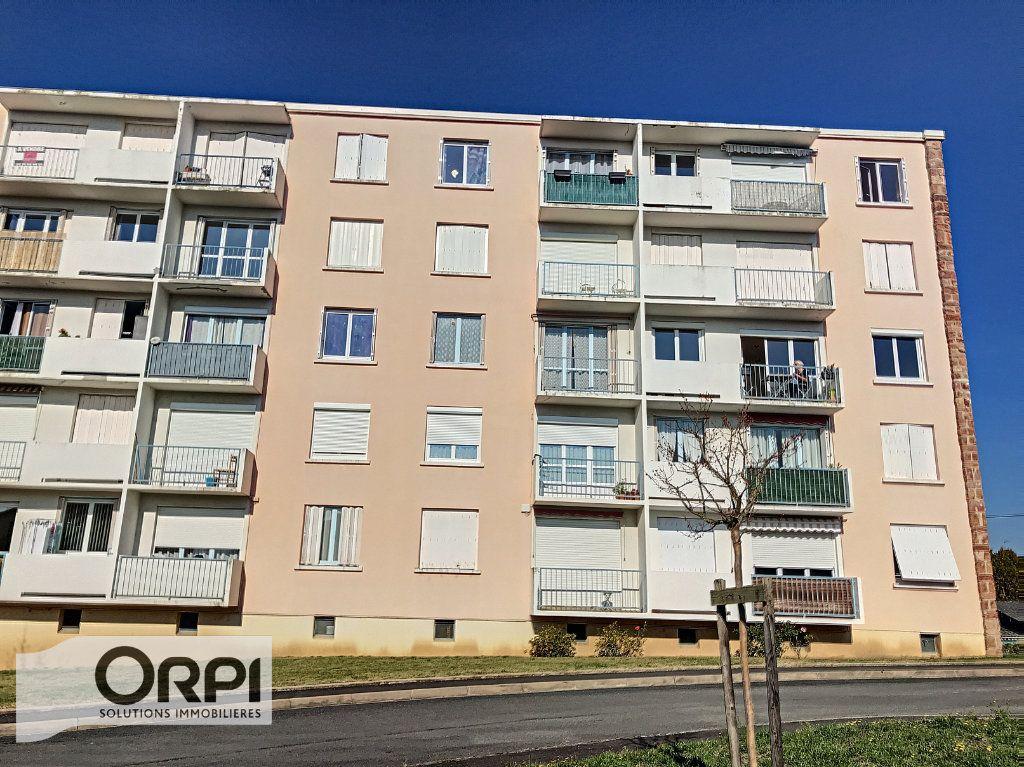 Appartement à vendre 3 66m2 à Montluçon vignette-3