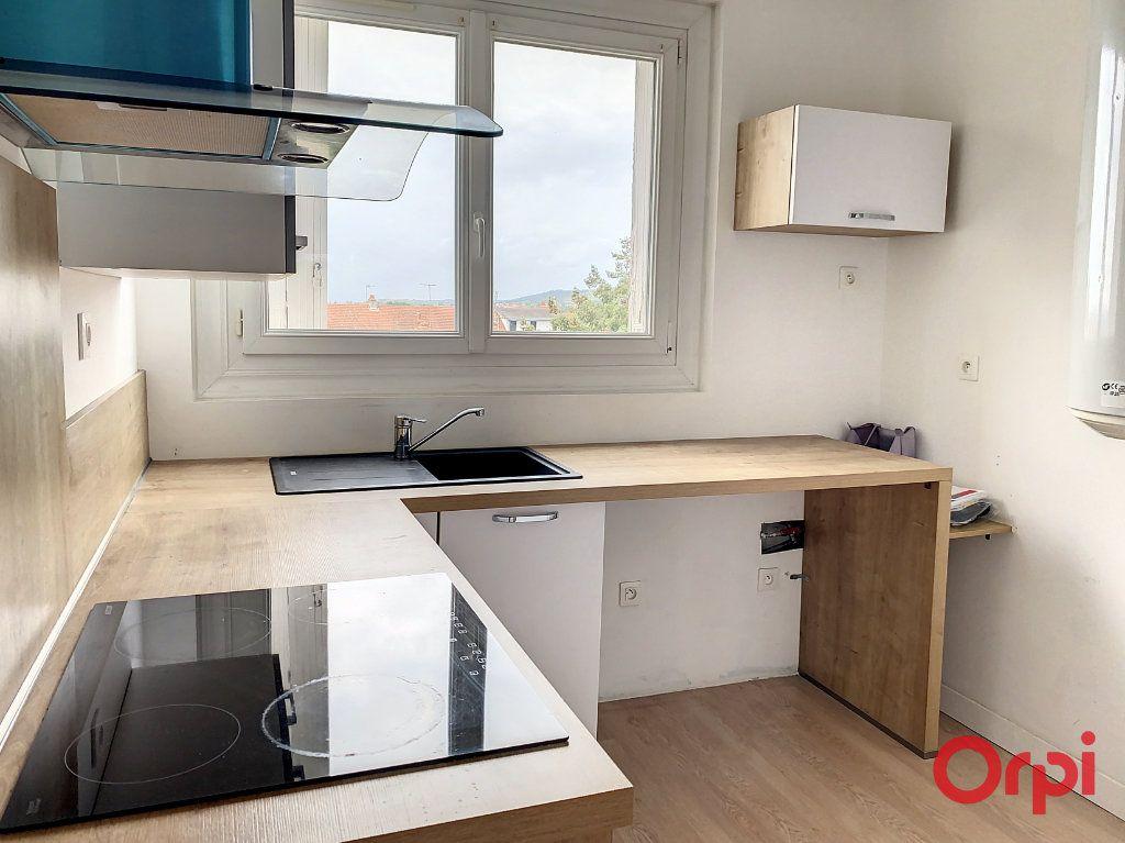 Appartement à vendre 3 66m2 à Montluçon vignette-5