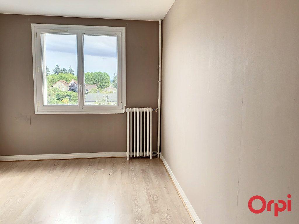 Appartement à vendre 3 66m2 à Montluçon vignette-9