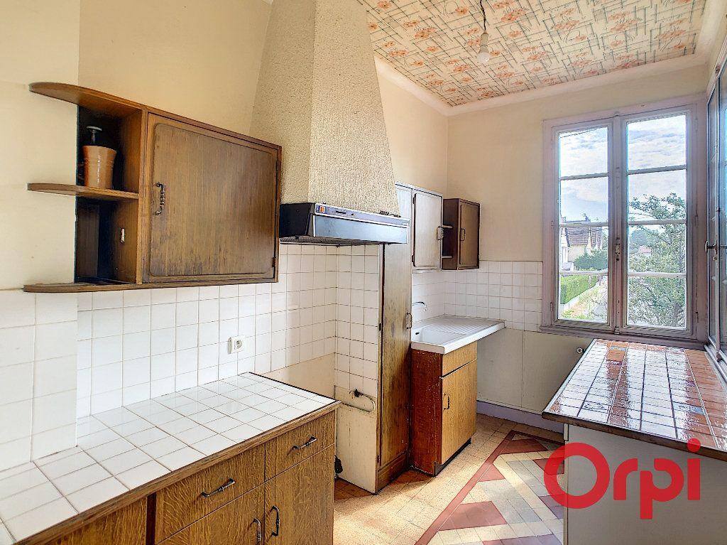Maison à vendre 6 128m2 à Saint-Amand-Montrond vignette-4