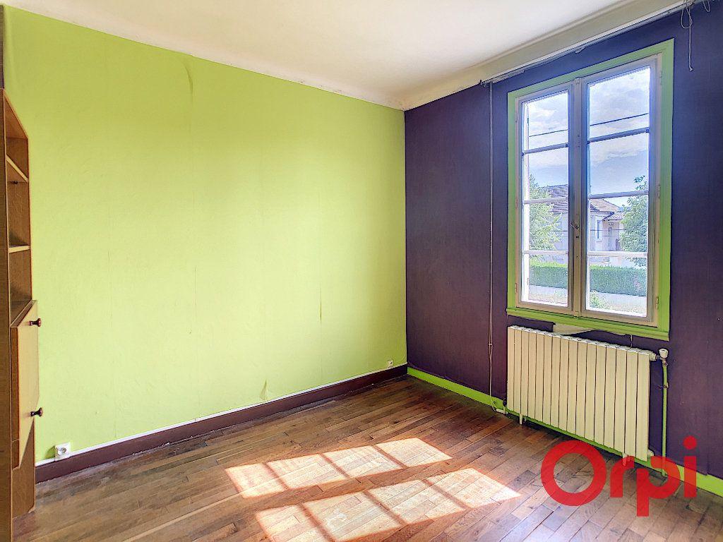 Maison à vendre 6 128m2 à Saint-Amand-Montrond vignette-7