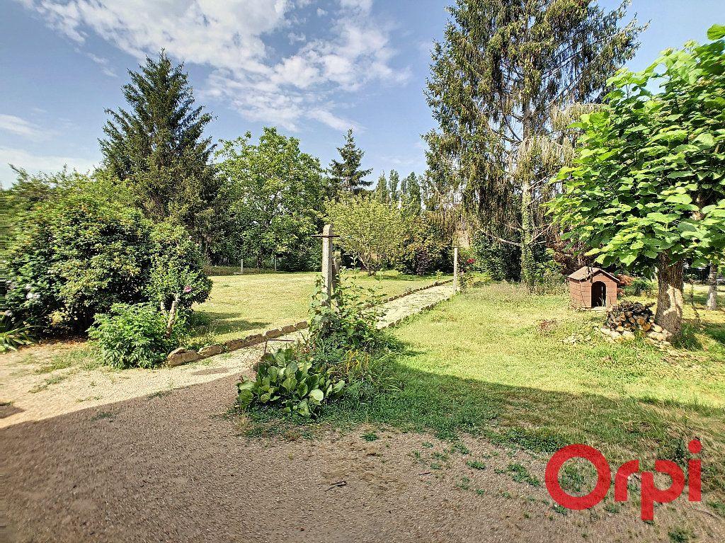Maison à vendre 6 128m2 à Saint-Amand-Montrond vignette-9