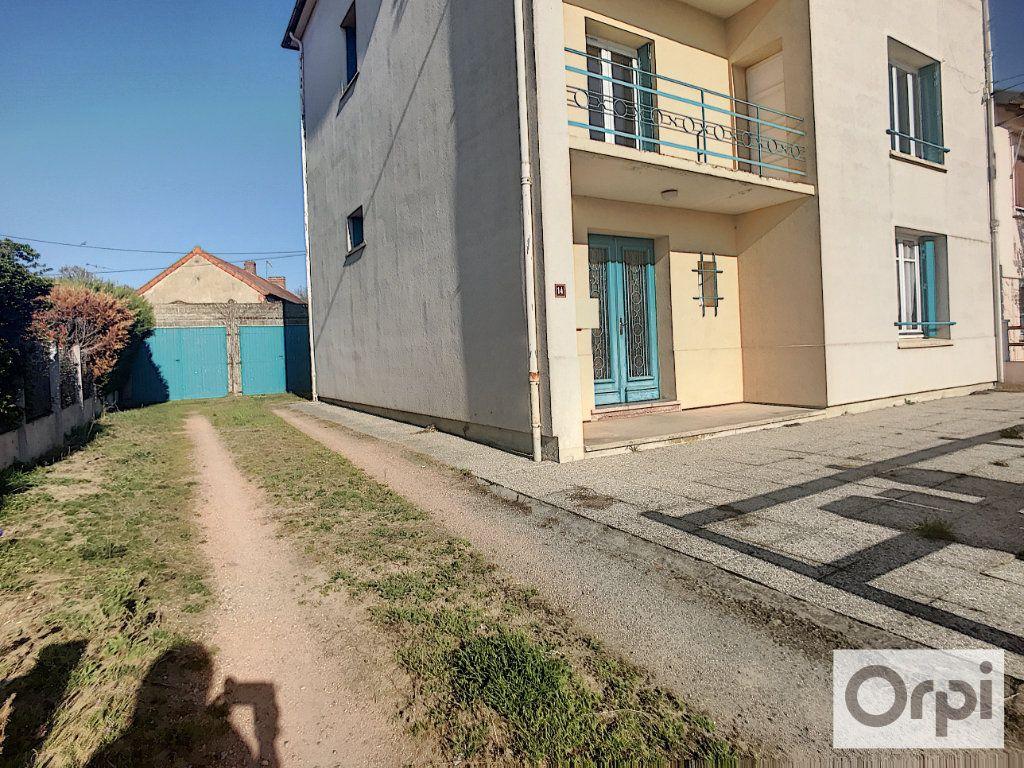 Immeuble à vendre 0 0m2 à Montluçon vignette-10