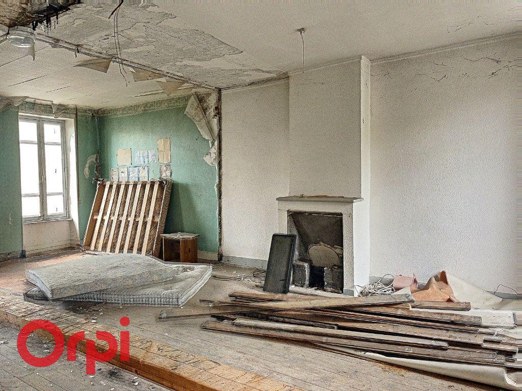 Maison à vendre 2 103m2 à Montluçon vignette-2