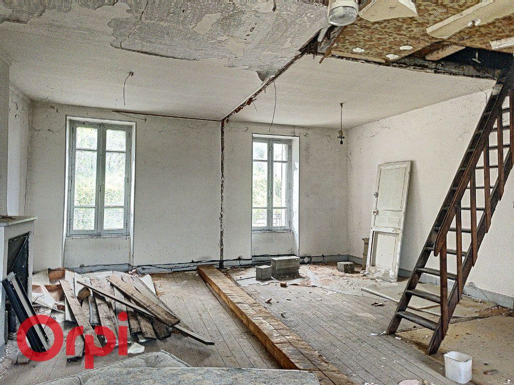 Maison à vendre 2 103m2 à Montluçon vignette-3