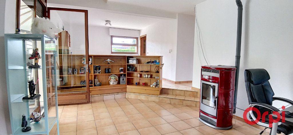 Maison à vendre 6 167.61m2 à Montmarault vignette-7