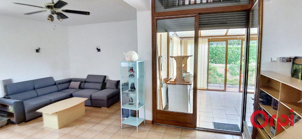 Maison à vendre 6 167.61m2 à Montmarault vignette-8