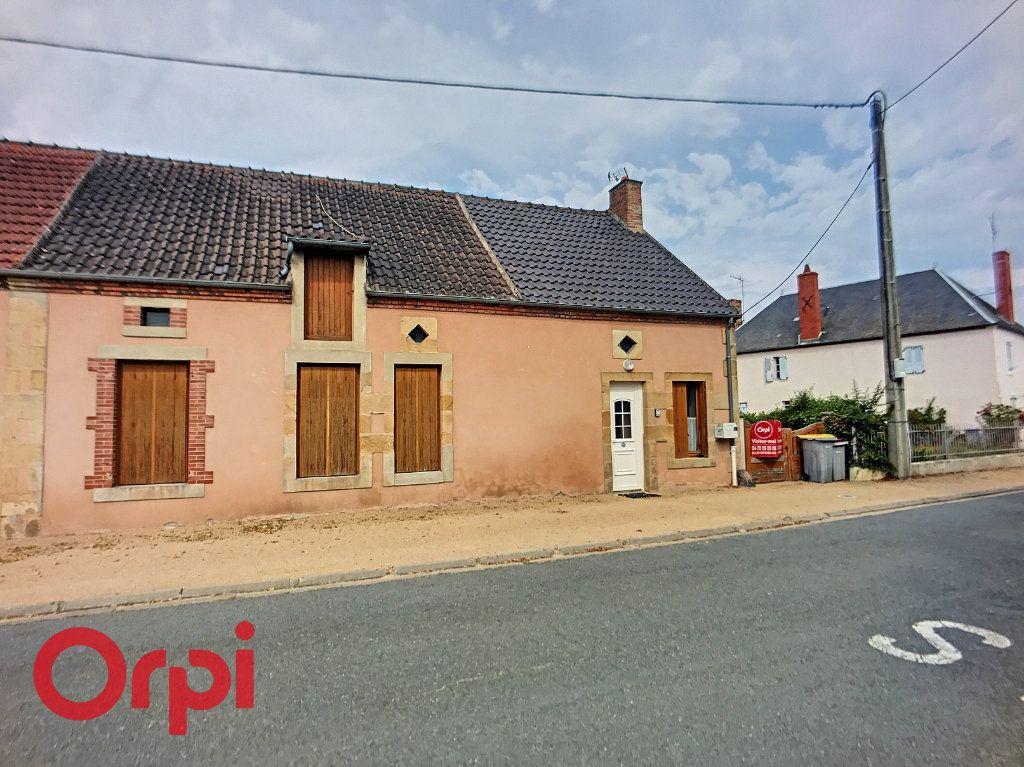 Maison à vendre 6 110m2 à Saint-Angel vignette-1
