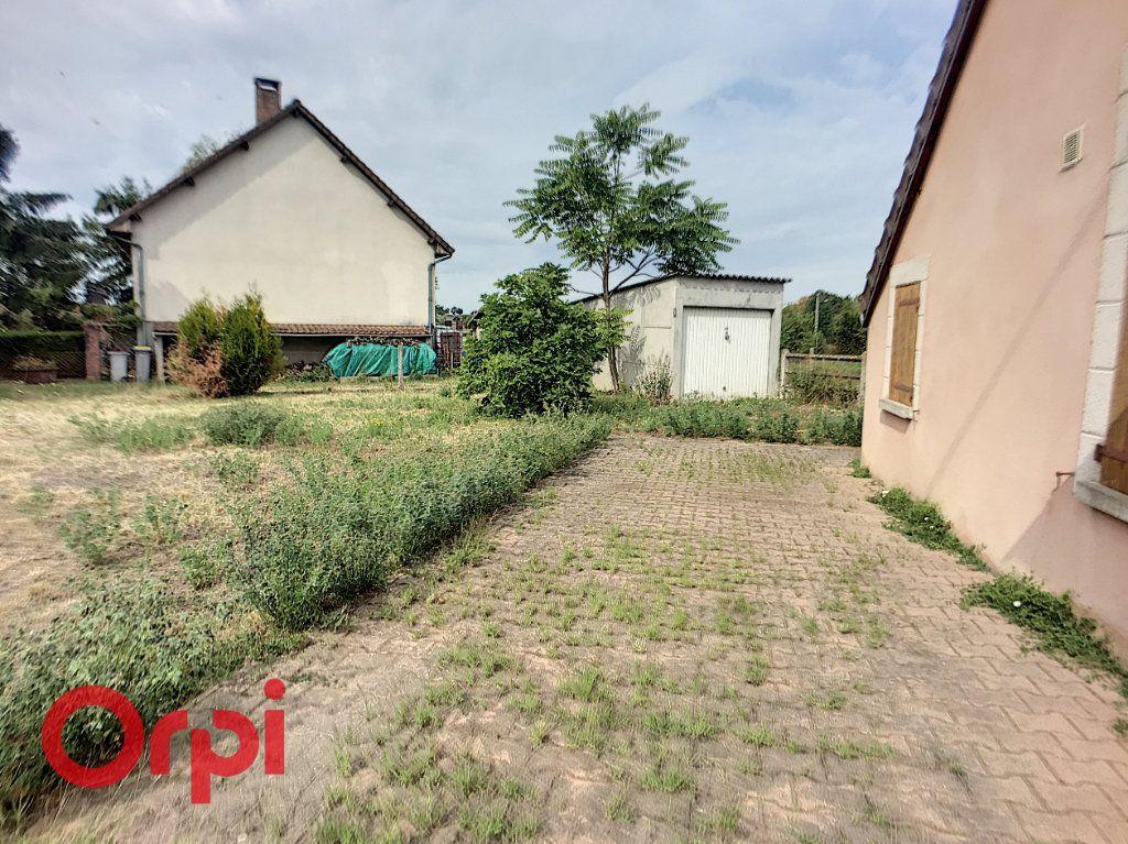 Maison à vendre 6 110m2 à Saint-Angel vignette-3