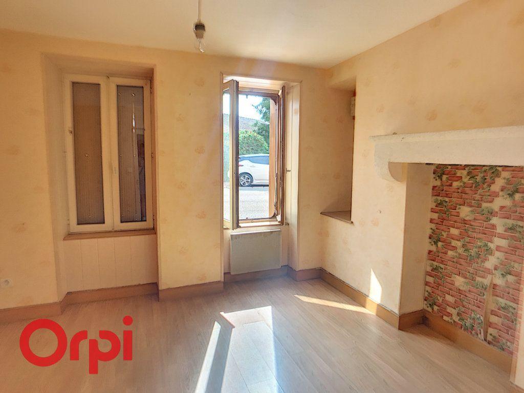 Maison à vendre 6 110m2 à Saint-Angel vignette-4