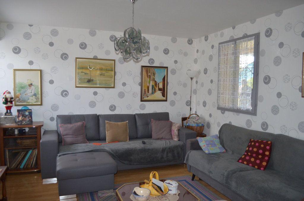 Maison à vendre 5 105m2 à Boussac vignette-2