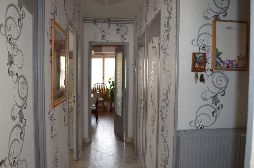 Maison à vendre 5 105m2 à Boussac vignette-4