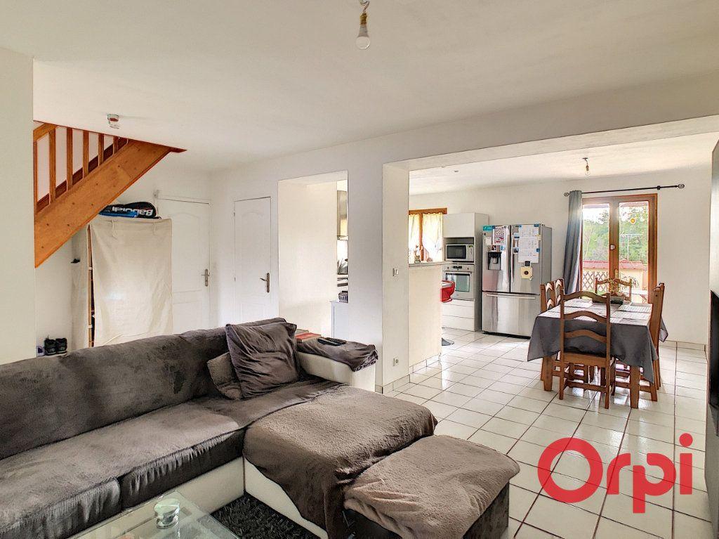 Maison à vendre 5 82.84m2 à Néris-les-Bains vignette-1