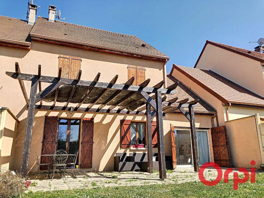 Maison à vendre 5 82.84m2 à Néris-les-Bains vignette-2