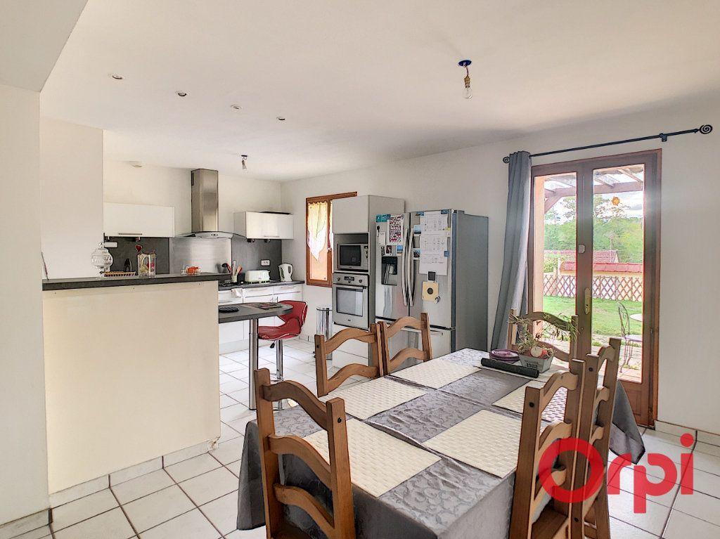Maison à vendre 5 82.84m2 à Néris-les-Bains vignette-4