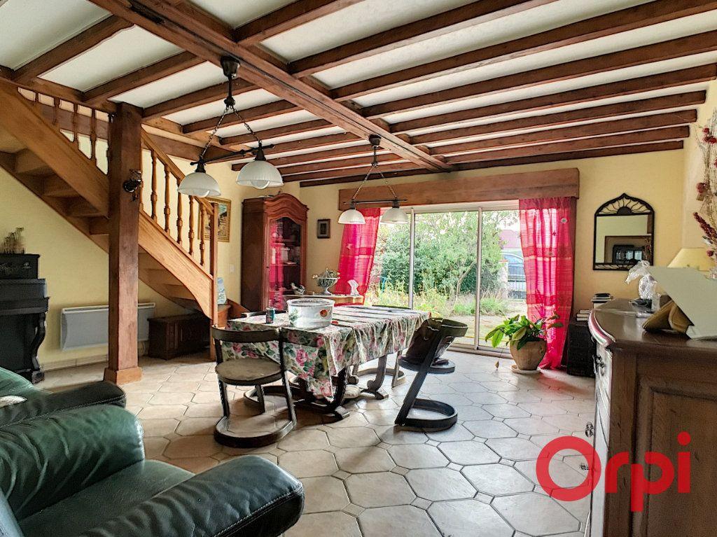Maison à vendre 8 182m2 à Estivareilles vignette-3