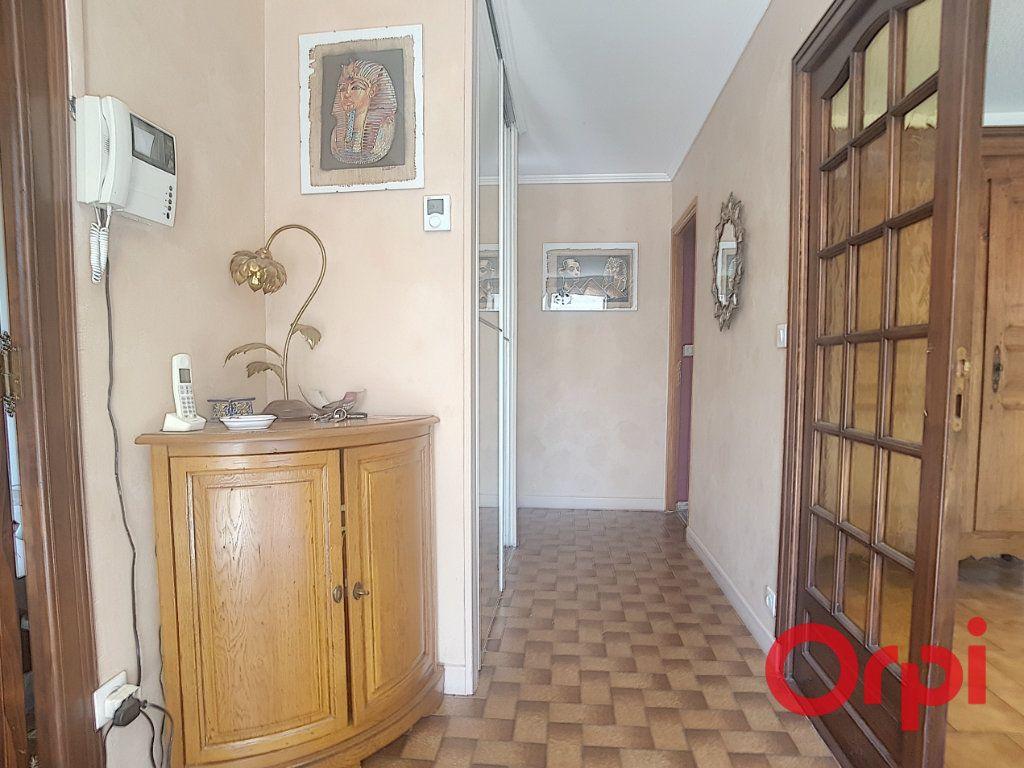Maison à vendre 8 182m2 à Estivareilles vignette-9