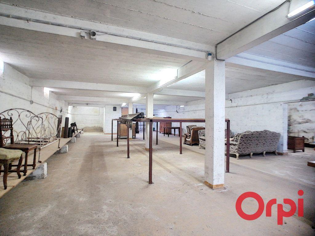 Immeuble à vendre 0 450m2 à Cosne-d'Allier vignette-2