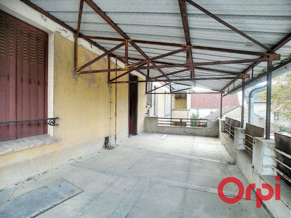 Immeuble à vendre 0 450m2 à Cosne-d'Allier vignette-3
