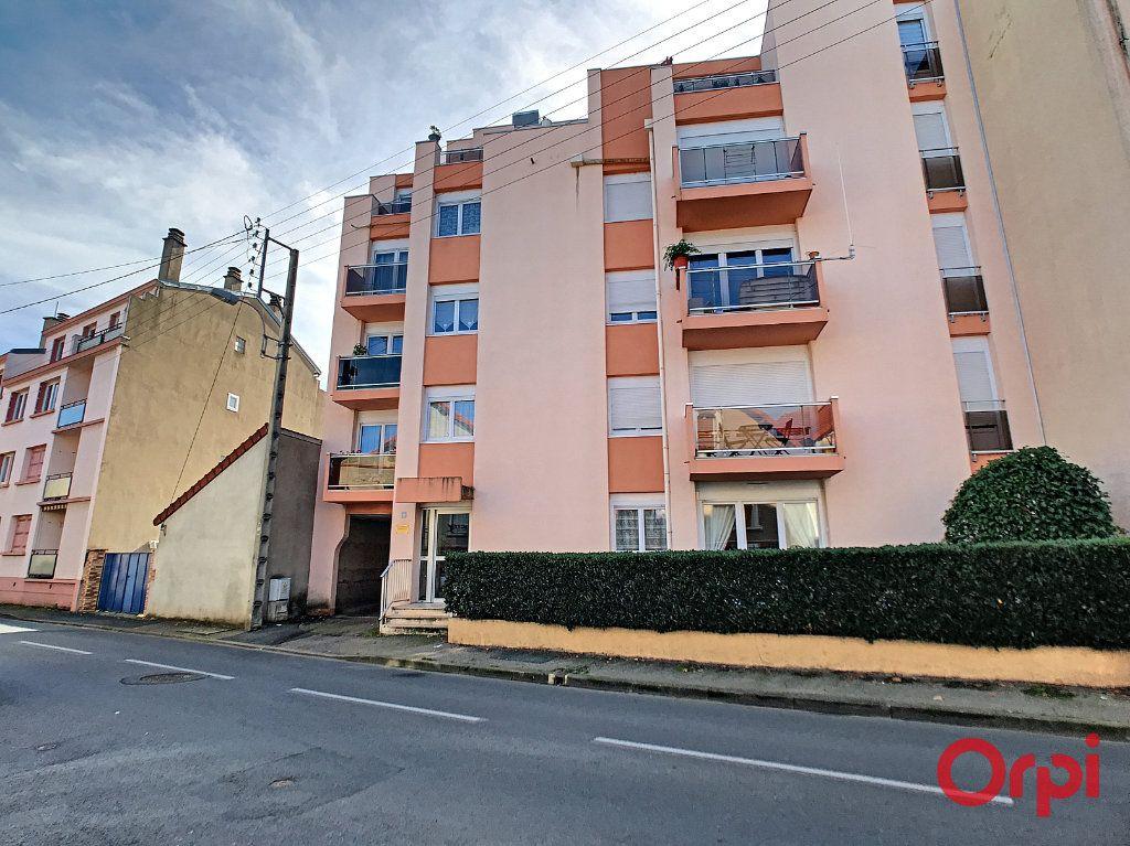 Appartement à vendre 1 23.5m2 à Montluçon vignette-2